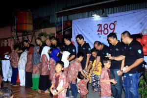 489-buku-berbagi-buku-kepada-anak-yatim
