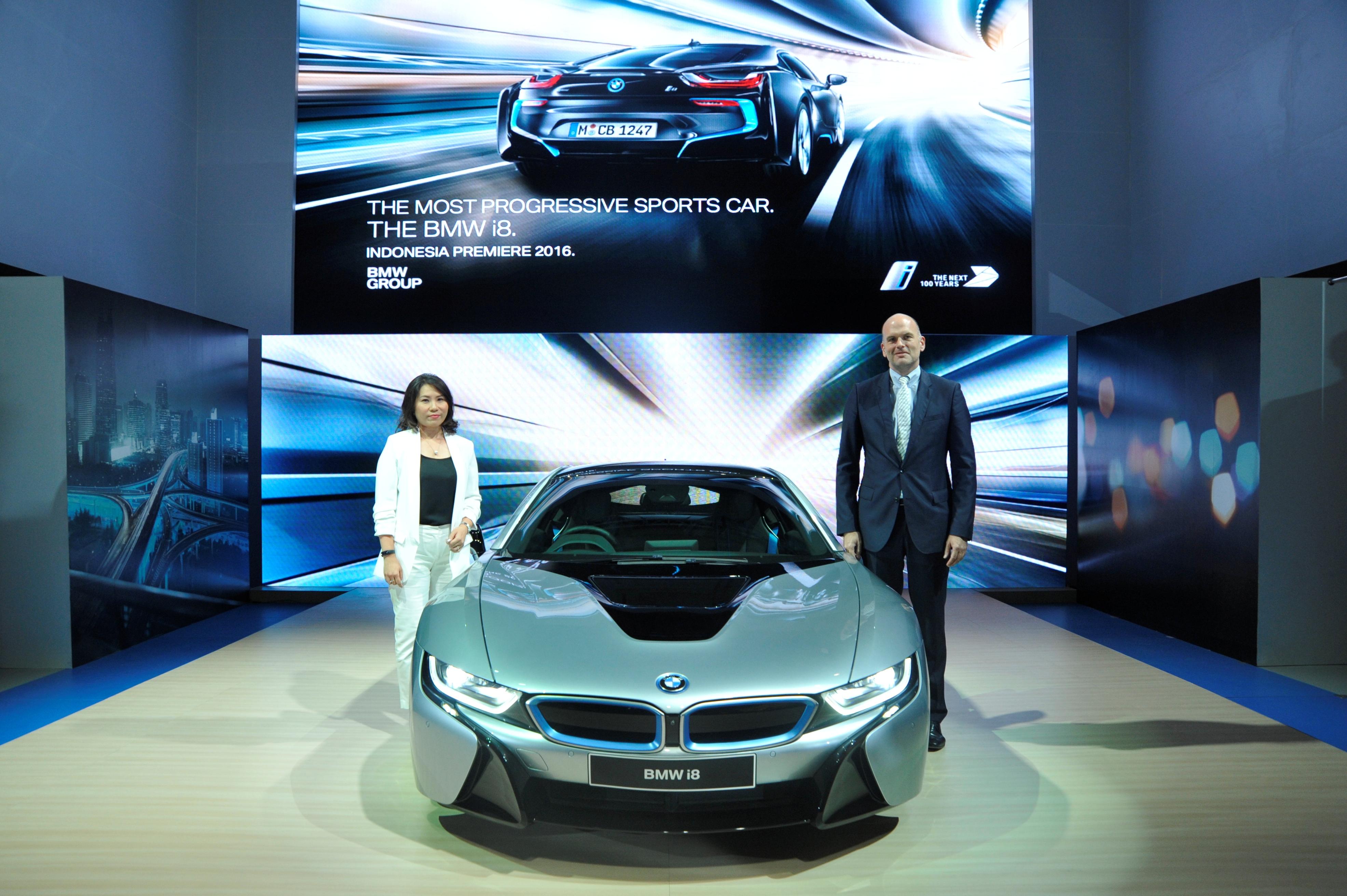 BMW Ajak Pengunjung Prediksi 100 Tahun Mendatang
