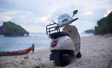 Vespa Sprint Adventure Jelajah Indonesia sambil Bagi Hadiah