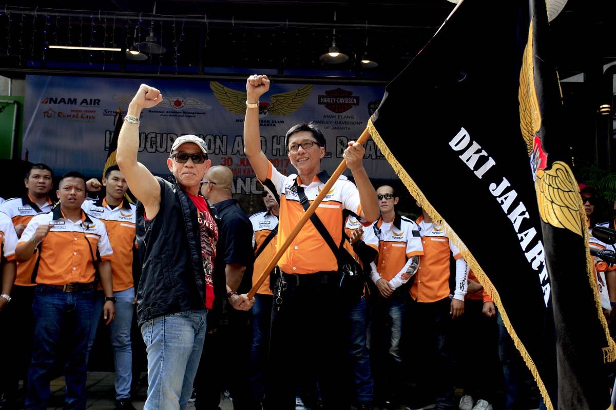 Halal Bihalal dan Inagurasi MBC DKI Jakarta_6_Jajaran Pengurus MBC DKI Jakarta Periode 2017 - 2020 bersama Presiden MBC Rudy Susanto