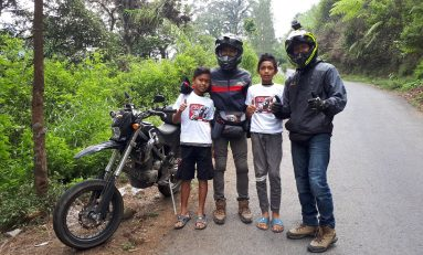 Touring Komunitas Supermoto Indonesia (SMI) Depok Sambil Bagi-Bagi Kaos