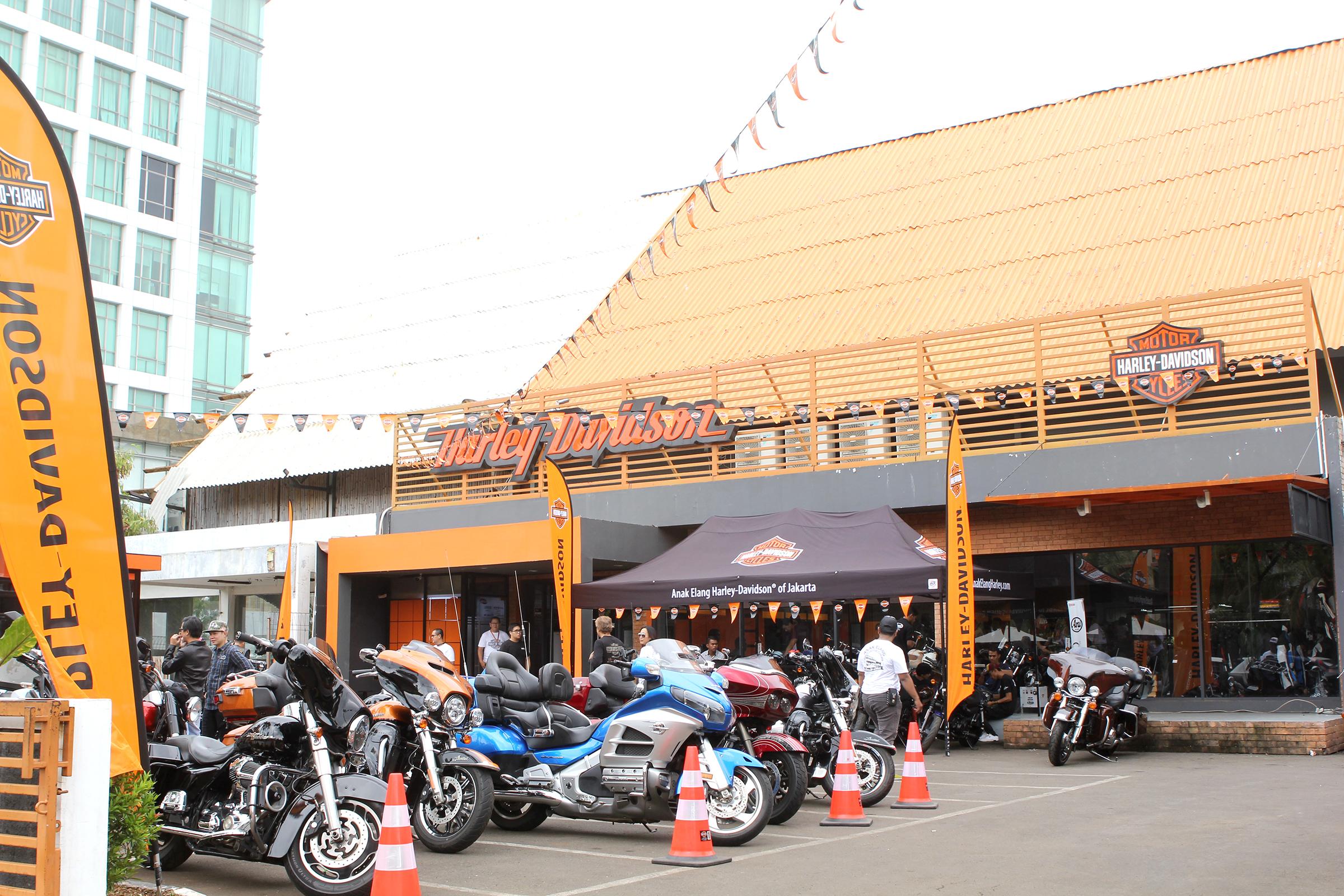 Anak Elang Harley-Davidson of Jakarta Tampilkan Motor Harley-Davidson 2018 Terlengkap