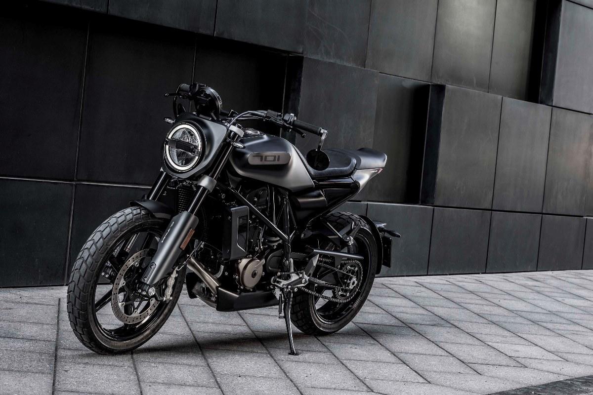 Husqvarna Svartpilen 701 Meluncur di IIMS Motobike Expo 2019