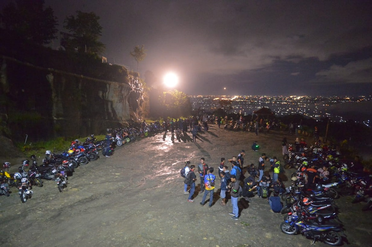 Ratusan Bikers Suzuki Touring ke Tebing Breksi