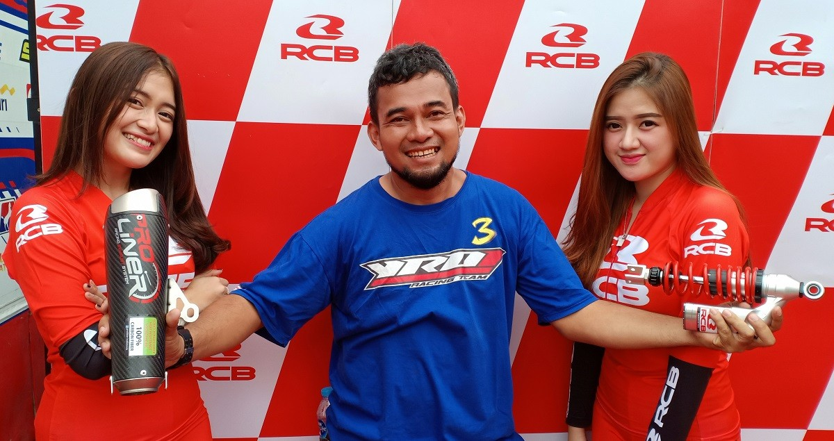Bidik Komunitas Balap, RCB Support YROI Batik Racing Team
