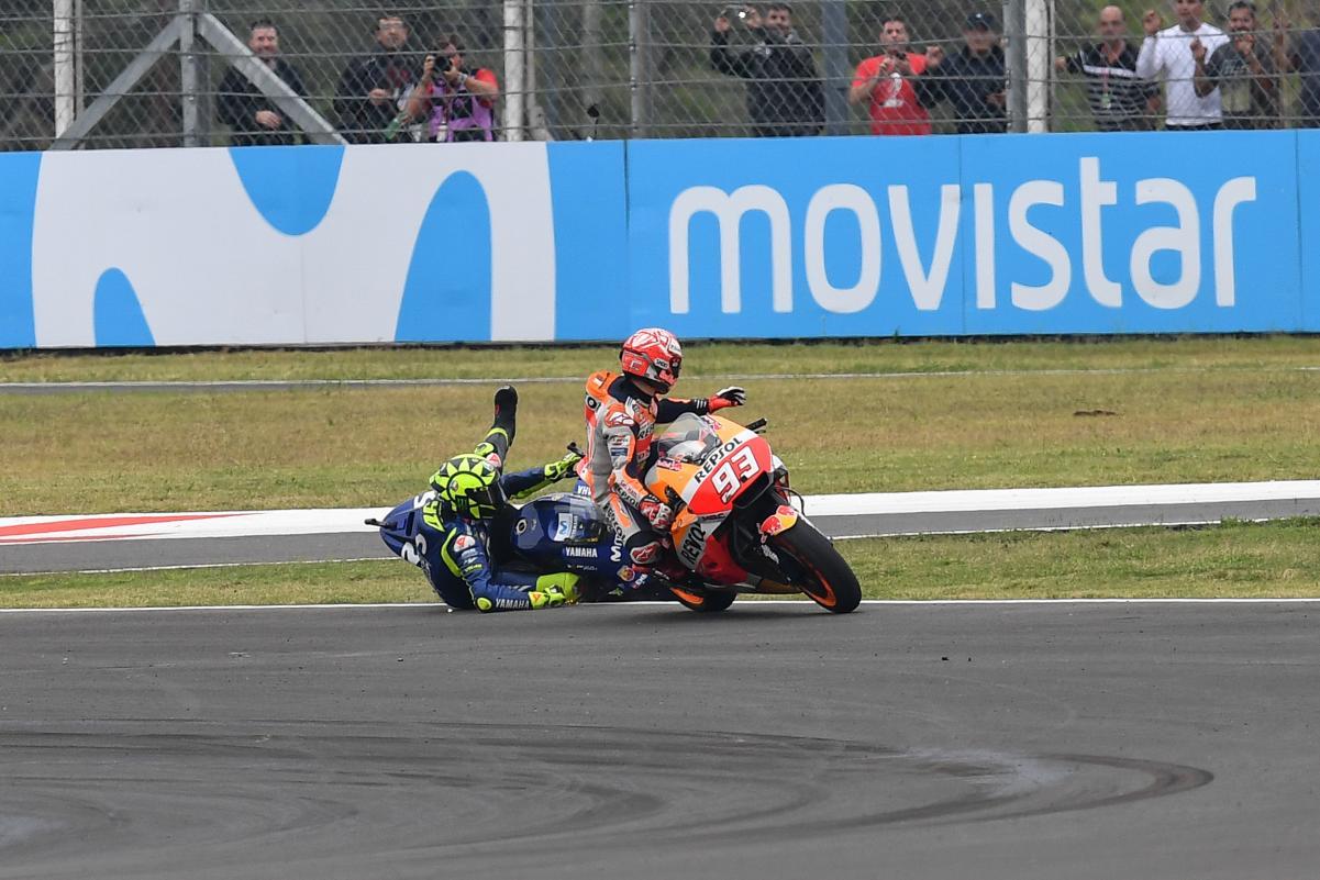 Momen Marquez Tabrak Rossi di MotoGP Argentina 2018