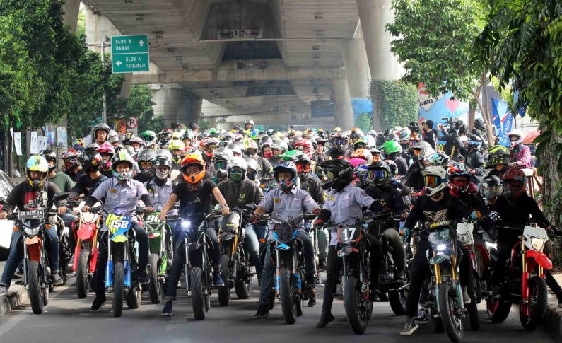 International Supermoto Ride Day Dirayakan Ribuan Bikers