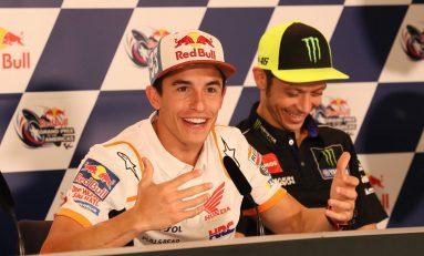 Jabat Tangan Rossi, Marquez: Seperti Mencium Gadis