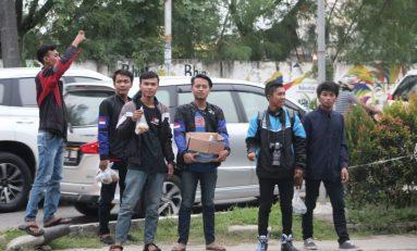 Jalin Keakraban, Komunitas Suzuki Satria Jakarta Barat Berbagi Takjil