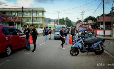XYI Gorontalo Utara Berbagi Takjil di Pinggir Jalan
