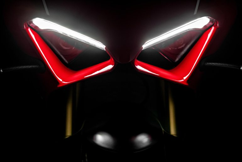 Ducati Streetfighter V4 Jalani Uji Coba, Siap Launching 2020?