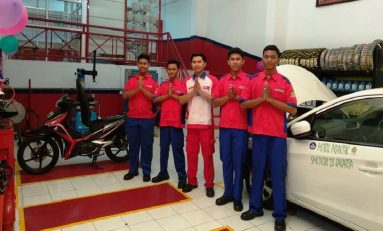Astra Otoparts Latih Siswa SMK Lebih Terampil di Bidang Otomotif