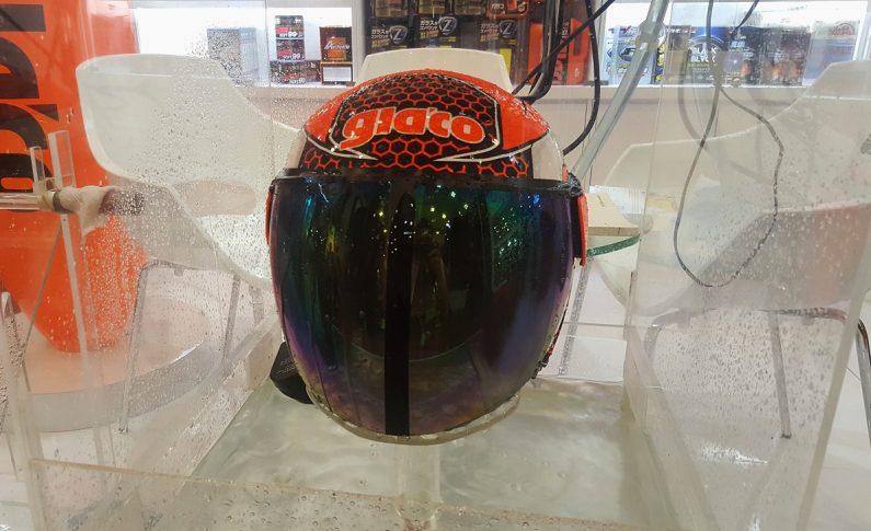 Glaco Mini, Pembersih Kaca Helm Yang Aman Untuk Bikers