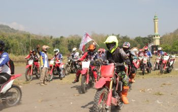 Ribuan Bikers Touring Adventure Geber Honda CRF