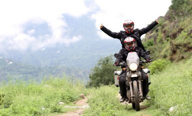 Darius dan Donna Memulai Perjalanan Touring ke Pegunungan Himalaya