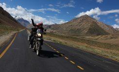 Kisah Menegangkan Darius dan Donna Mencapai Khardung La Pass, Jalan Raya Tertinggi di Dunia