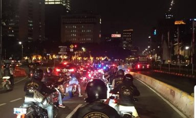 Serunya Night Ride HOG Anak Elang JC dan BMW Astra