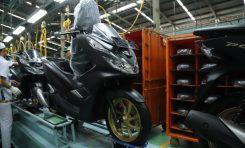 Honda PCX Pakai Jubah Baru. Harganya?