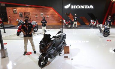 AHM Hadirkan Beragam Produk Unggulan Motor Honda di IIMS Hybrid 2021