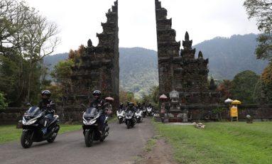 Puluhan Bikers Touring Wisata ke Bali Sambil Baksos