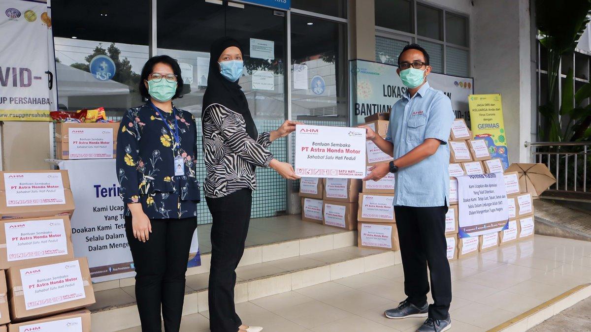 AHM Salurkan Bantuan Tahap Ketiga, Bagikan 990 Paket Sembako ke Pendukung Petugas Medis