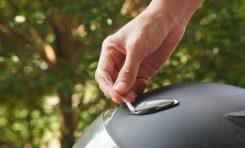 10 Cara Merawat Helm Sepeda Motor, Siapkan Cotton Bud dan Baby Oil