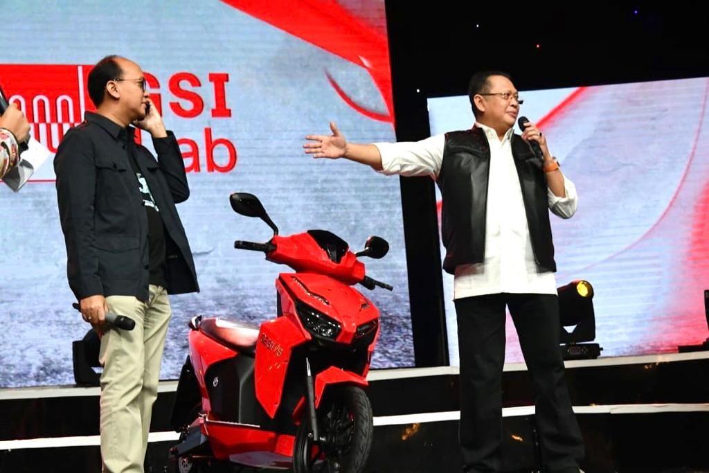 Fantastis! Lelang Motor Gesits Jokowi untuk Kemanusiaan Ditutup pada 2,55 Milyar Rupiah