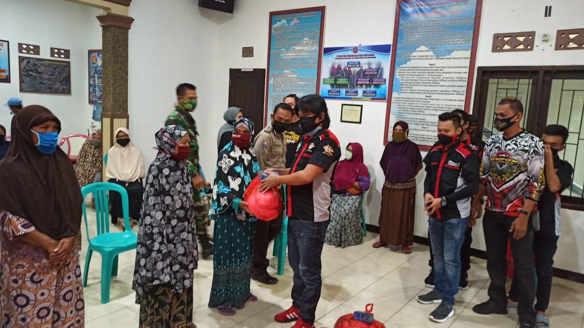 Komunitas Bold Riders Gorontalo Berbagi dengan Lansia