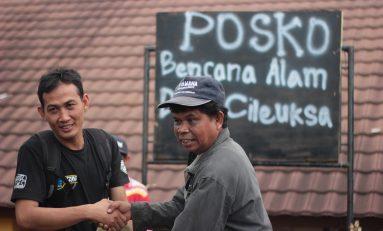 Bikers Buitenzorg Supermoto Salurkan Bantuan ke Desa Cileuksa
