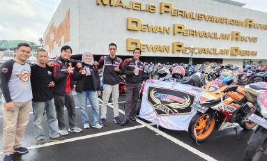 CBR Riders Jakarta Geruduk Gedung MPR RI