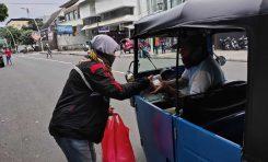 CBR Riders Jakarta Berbagi Takjil Gratis Untuk Buka Puasa