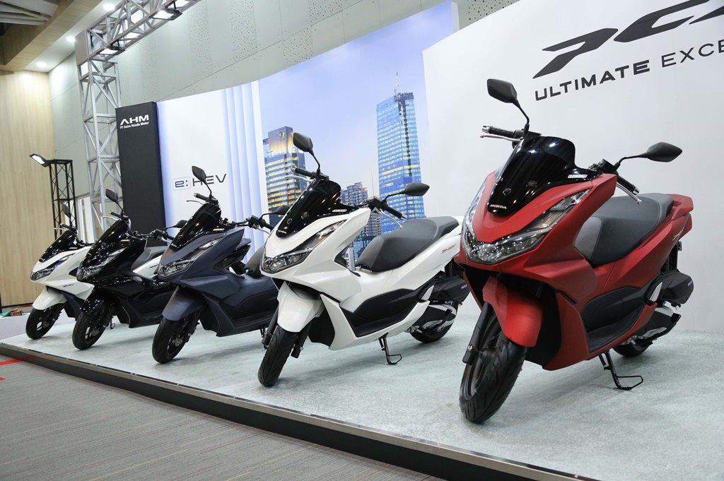 All New Honda PCX dan All New Honda PCX Hybrid dengan Desain Mewah dan Fitur Canggih