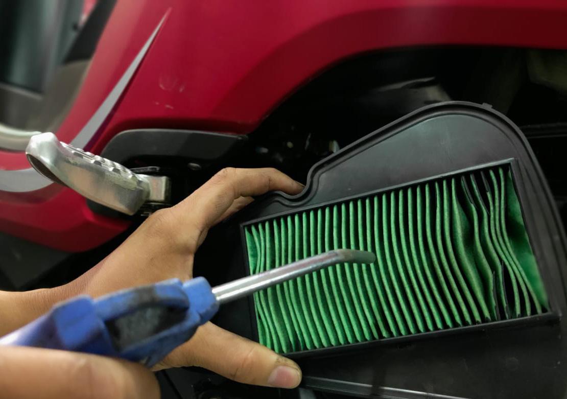 Cara Benar Membersihkan Filter Udara Agar Performa  Motor Maksimal