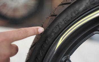 Tips Merawat Ban Sepeda Motor, Jangan Lupa Pantengin Tanda Segitiga