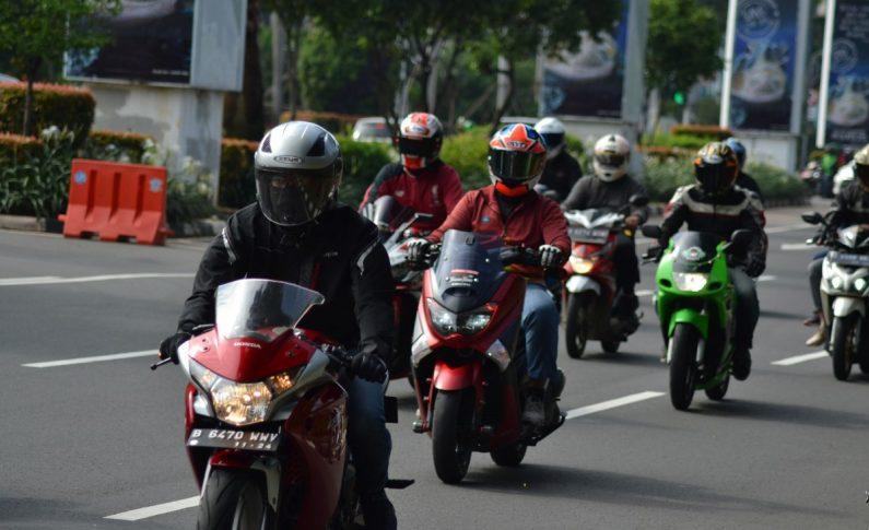 Helmet Lovers Indonesia Official (HLIO) Ajak Bikers Jauhi Helm Abal-Abal