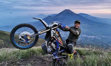 Doni Tata Trabas ke Puncak Gunung Sumbing, Picu Kemarahan Para Pendaki