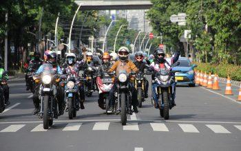 Royal Enfield 'Girls Ride Out' Debut di Jakarta, Ikut Meriahkan GSrek Bikeweek 2019