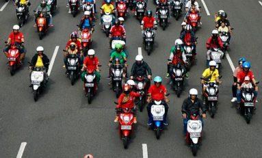 1.000 Bikers Milenial Banjiri Kota Surabaya