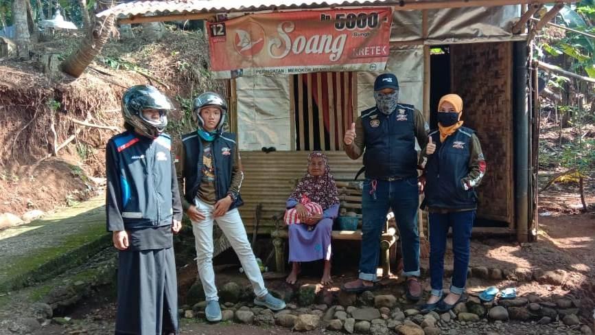 Honda PCX Club Indonesia (HPCI) Purbalingga Berbagi dengan Para Janda