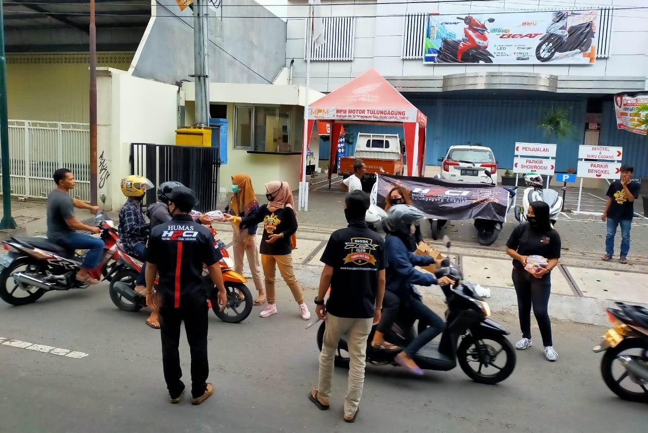 Lady Bikers Ninik Handayani Pimpin Baksos HPCI Tulungagung