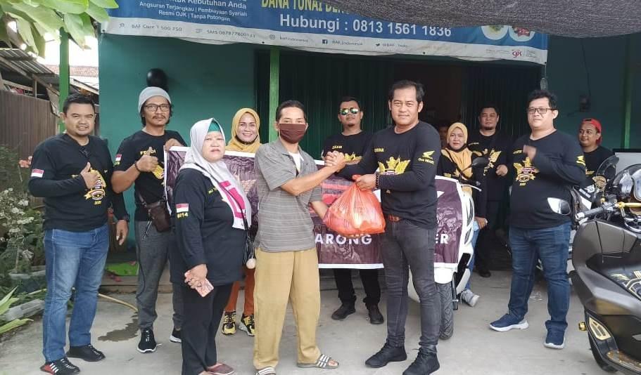 Honda PCX Club Indonesia (HPCI) Tenggarong Sumbang Masker dan Sembako