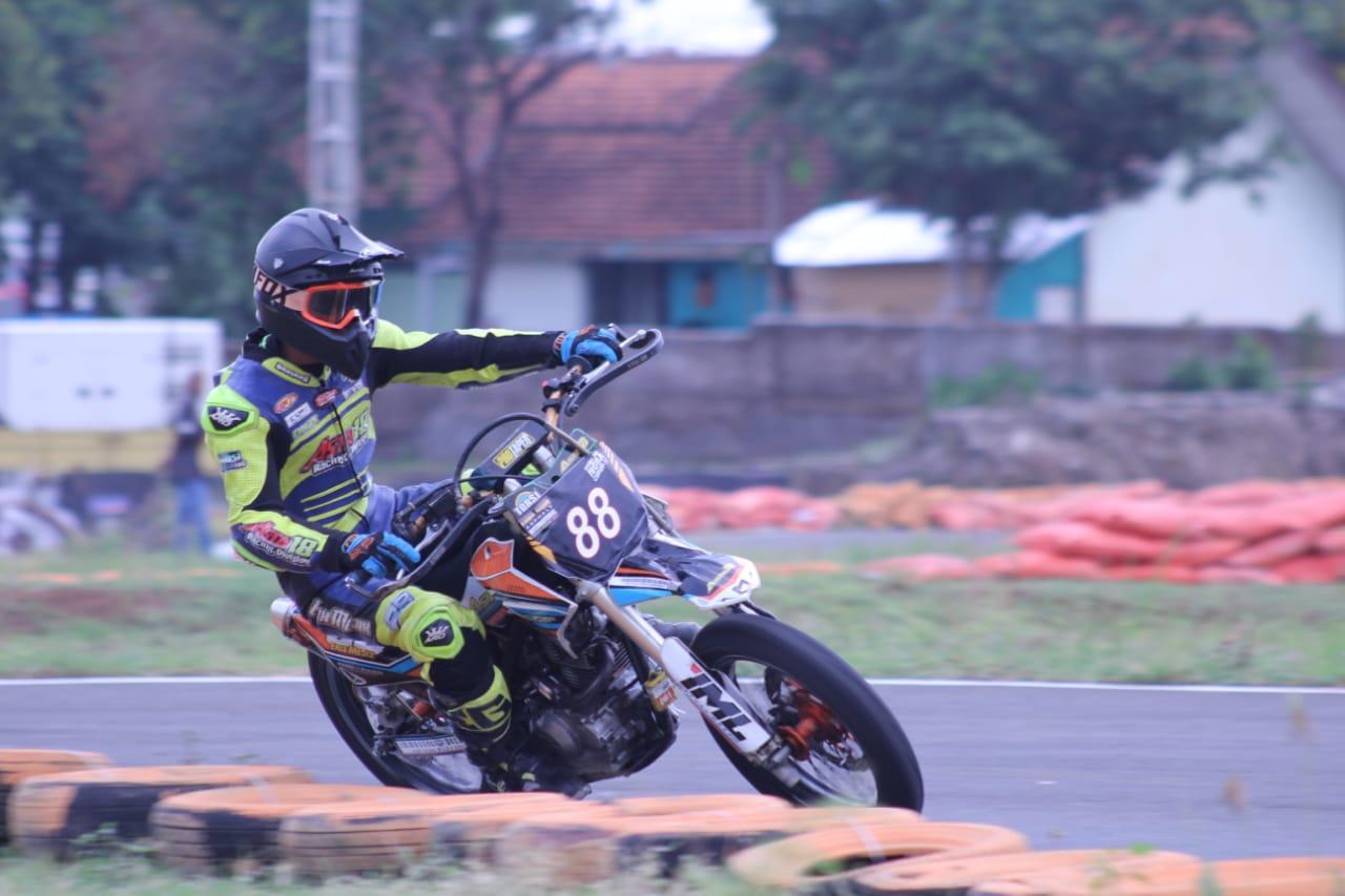 Tim Balap Supermoto Indonesia, Menyalurkan Hobi dengan Prestasi