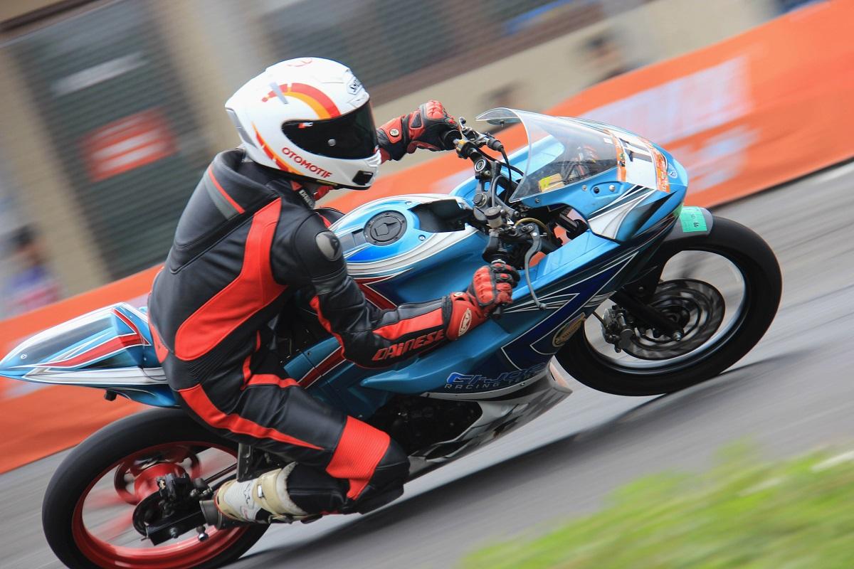 Tim Jurnalis GIJOE Racing Juara 1 di Seri 4 Indoclub Sentul