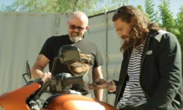 Saat Aquaman Terpesona dengan Performa Harley-Davidson LiveWire