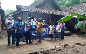 Yamaha Ajak Komunitas MAXI Berbagi ke Korban Banjir