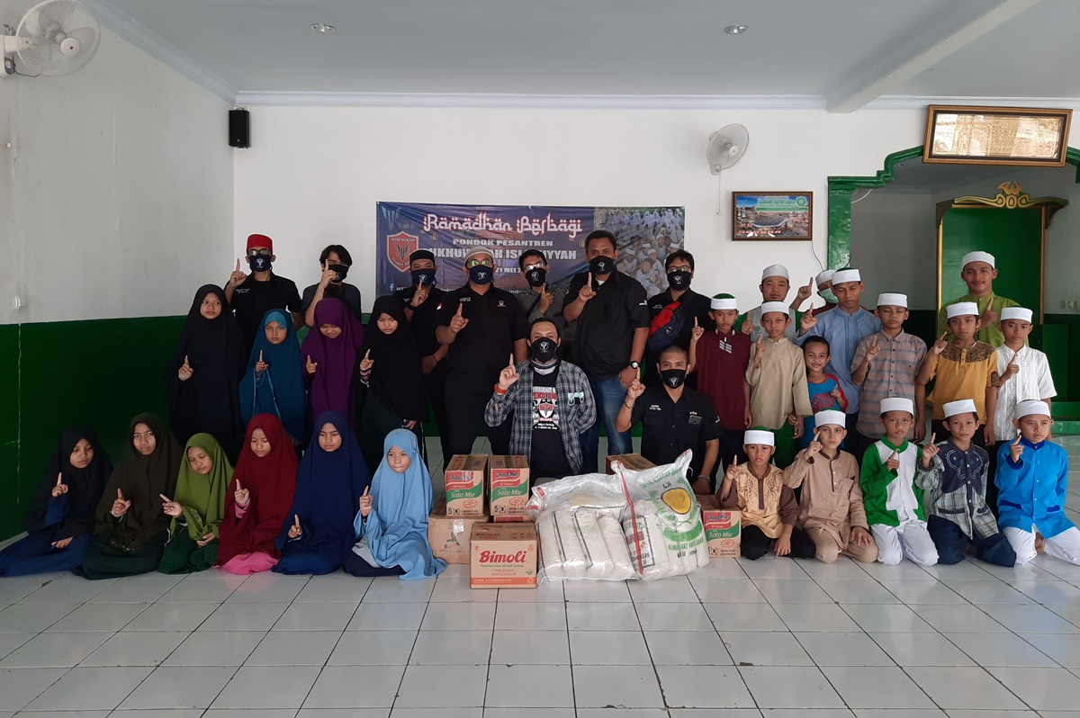Ramadhan Berbagi MTRI Bekasi Sambangi Pondok Pesantren