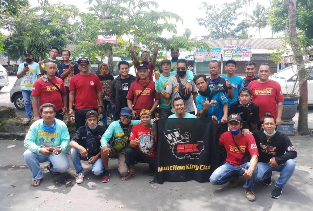Muntilan King Club (MKC) Berbagi dengan Pekerja Jalanan