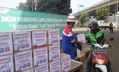 Karyawan Pertamina Lubricants Donasi Sembako