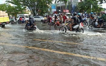 Motor Mati Habis Terjang Banjir, Jangan Langsung Starter! Berikut Tipsnya