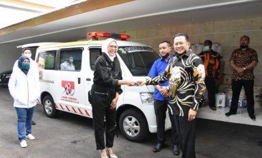 Bamsoet bersama Biker MBI Serahkan Ambulan untuk Rakyat